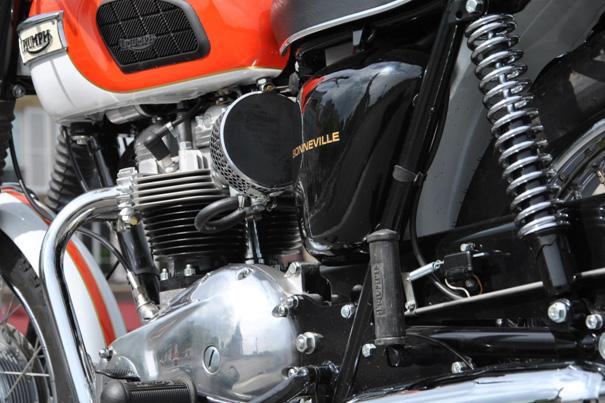 bonneville-t120r-1968-4