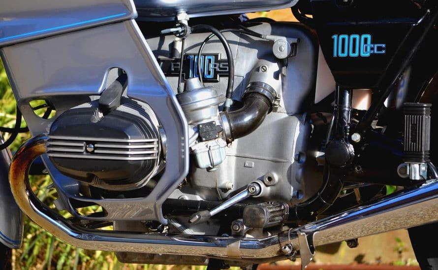 R100RS-005