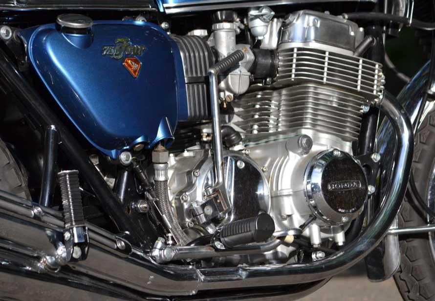 Honda-cb-750-K2-Plane-Metallic-Blue2