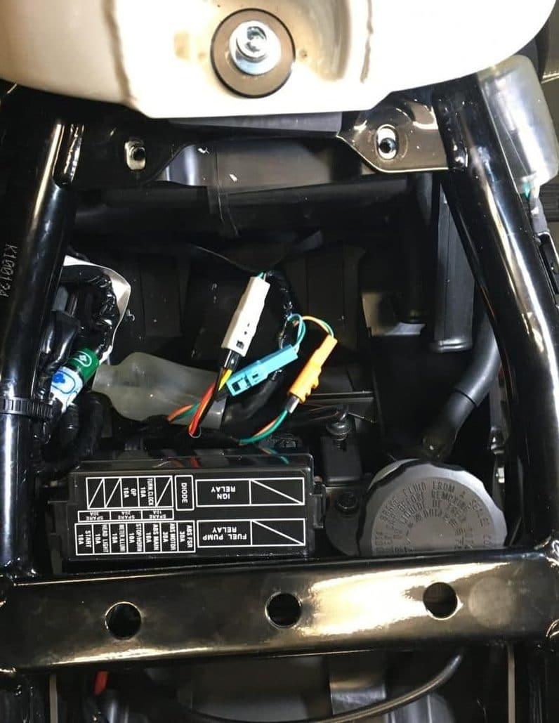 CB 1100 type R-013