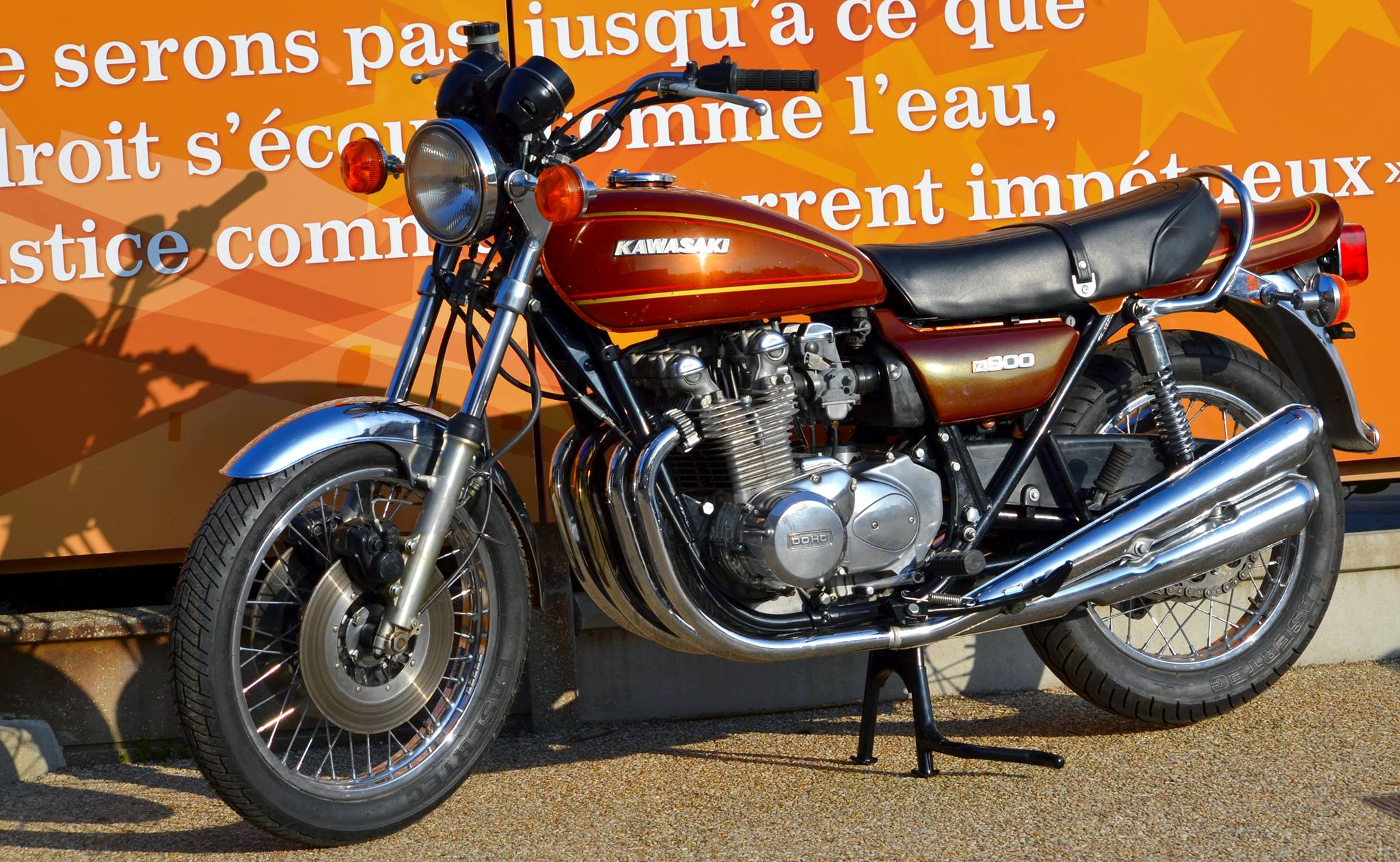 Kawasaki Z900 A4 1976 01