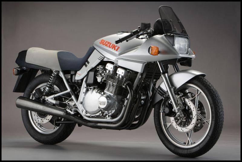 SUZUKI GSX 1100S Katana : 111 CH, 232 kg, 220 km/h