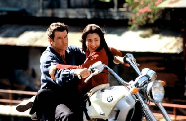 michelle-yeah-pierce-brosnan-442a-diaporama